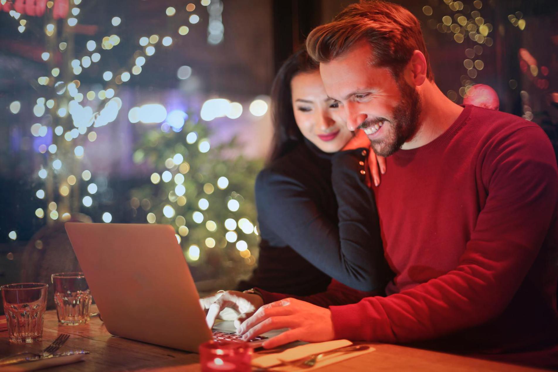 Bestellen Sie Ihren Weihnachtsbaum im Online Shop Wald Direkt einzeln
